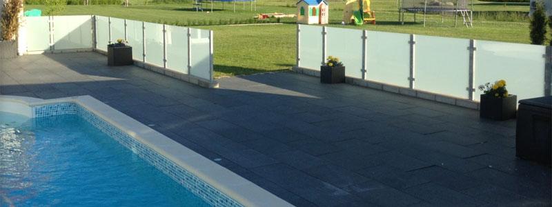 Poolinhägnad för säkerheten runt din pool | Poolportalen®